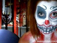 Shaye Rivers Halloween del pagliaccio Masturbazione