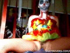 Shaye Floder Halloween clown Onanera