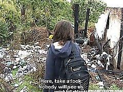 Tsekin College Nainen ulkona sukupuoli käteisellä