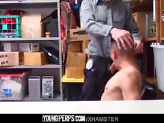 YoungPerps - Hombre latino despojado y follado por un policía de centro comercial