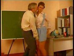 profesor abusado de colegiala alemán