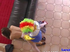 Saucy reifen britischen Tarte sich ein Clown gefickt