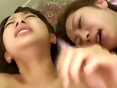 2 японских девочек крема జపాన్ గుంటలు