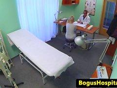 Чешский любитель пациента обрушился врач