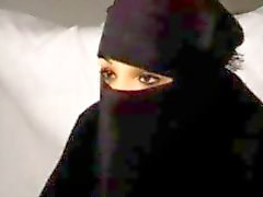 Svart Burka arabisk muslimsk flicka Nadia suger på Big västeuropeiska republikanska Franska Penis