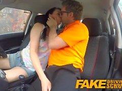 Fake Driving School Messy creampie huipentuma seksikäs huijaaminen oppija
