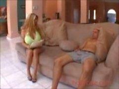Blondine aux gros seins baisée Blonde