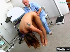 Brunette pornstar fetish with cumshot