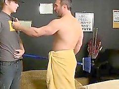Загрузки гей- групп сексуальное видео После мускулистые парень ловит