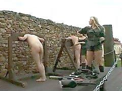 Mistresses jogar ao ar livre
