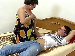 Início vídeo com mama madura e não Kelsi de 1fuckdatecom
