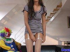 Bizarre britische Milf Pussy gefickt von Clown
