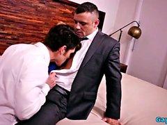 Muskel gay flip flop med cumshot