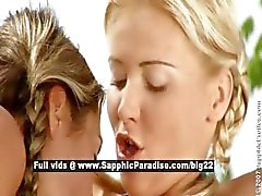 Daria en Christie lesbo babes vingeren