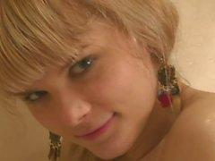 Ucraniana Anna - tem um chuveiro