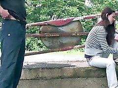 Giovane teenager ragazza magra sex PUBBLICI GANG BANG Sezione parziale 1 °