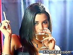 Calmante fumar de chicas Makeout