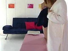 Aistillinen aasialainen tyttö rakastaa lesboa