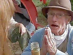 Kahta perv Kulkuri naida nymphet metsään