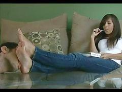 Tanrıça Ariana Ayaklar tapılacak