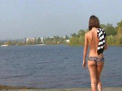 Alinea - tomar el sol en la orilla del río