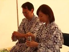 Casal japonês primeira vez (filme corno)