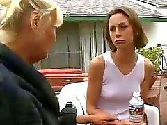 Äiti rakastaa nuorten tyttöjen kohtauksen 3 ( kypsän lesbo )
