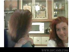 Delle ragazze della webcam che applaudono strano cieli javx