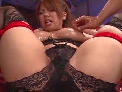 Busty Kanna Itou aime poser quand sucer et fucking