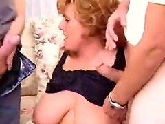 Chubby punatukkaisen Mindyn tekee 3 Marilee alkaen 1fuckdatecom