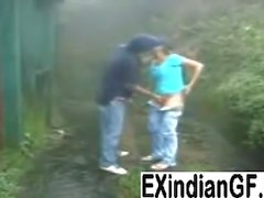 Индийская девочка дающий головой и ебал воздухе получать