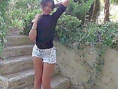 Ihanan french brunette Amelin Annogas sukupuoli meditaatiossa