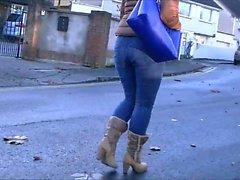 Honest suuria booty MILF housun , jotka ovat tiiviit