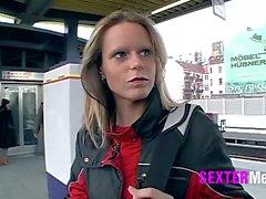 Streetgirls - Ab in den Arsch :-)