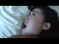 Amatööri Korean MILF Swallows