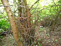 Auf Andrea Sawatzkis im Wald wichsen und spritzen