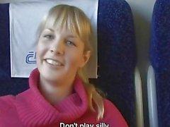 Cazzo pubblica sul in treno