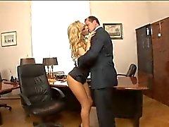 Perfect Secretary ... F70