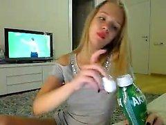 Amateur andreea 93 sich auf Live-Webcam fingern
