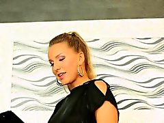 Pornstar Nessy in splash sperm party at gloryhole