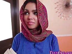 Pechugona adolescentes muslim deben tenerla