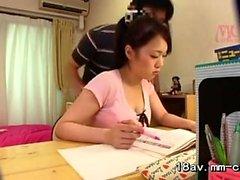 Voyeur asiático de las muchachas de la escuela