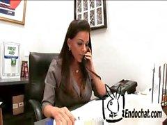 Victoria Valentino - Endochat.com