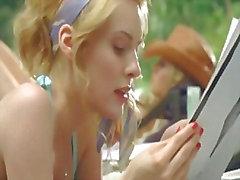 Lizzy Caplan - Love Is The Arzneimittel