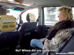 Repubblica Ceca matura bionda affamato a di taxi conducenti di cazzo
