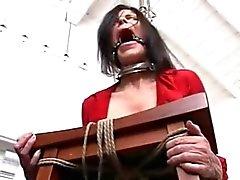 A R bondage
