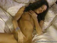 Horny Solow IFE masturbant