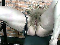 Les deux Femmes mûres sont de BDSM