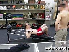 Горячие подростков парень прямая геев голых Movies Фитнес-тренер становится