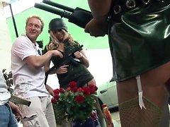 Onnea hemmot get puhalletaan kuumaa armeijassa tyttöjen